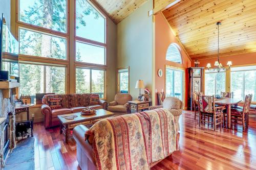 Nodehi Lodge -  Vacation Rental - Photo 1