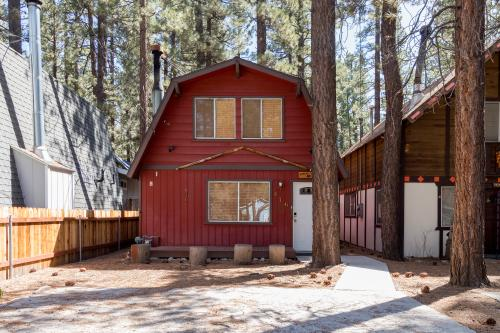 Robins Nest - Big Bear City, CA Vacation Rental