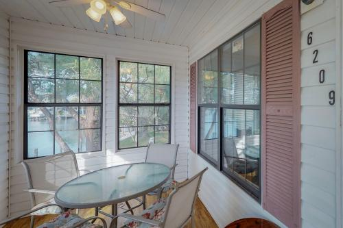 Palm Getaway -  Vacation Rental - Photo 1