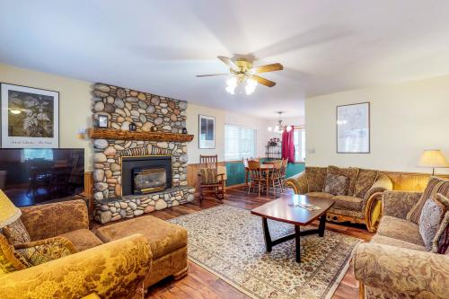 Trout Creek Retreat -  Vacation Rental - Photo 1