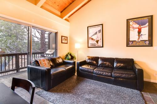 Poolside Condo in Tahoe City - Tahoe City Vacation Rental