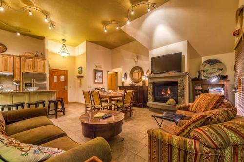 Jackpine Lodge 8024 -  Vacation Rental - Photo 1