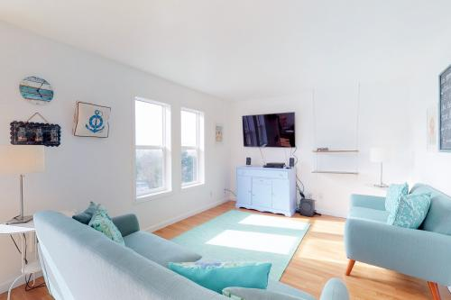 Sea Glass Cottage -  Vacation Rental - Photo 1