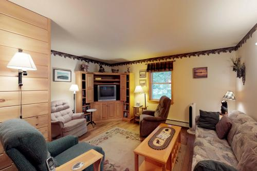 Beaver Cove Cabin -  Vacation Rental - Photo 1