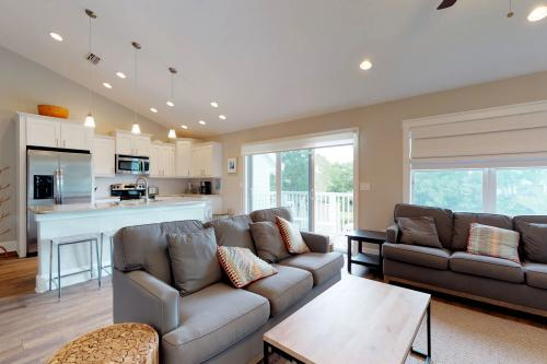 7001 A Holmes Blvd -  Vacation Rental - Photo 1