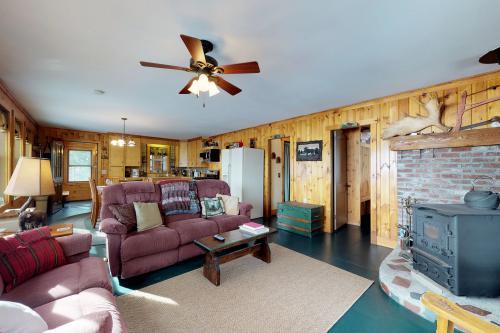 Lower Wilson Pond Refuge -  Vacation Rental - Photo 1