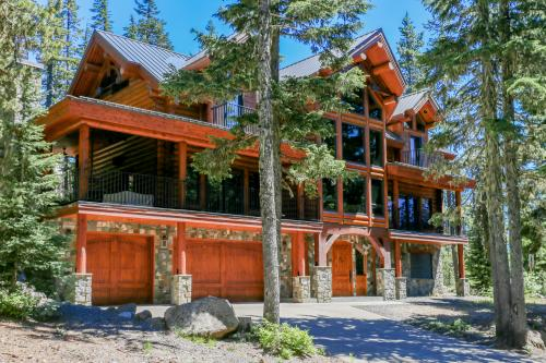 Four Moons Lodge -  Vacation Rental - Photo 1