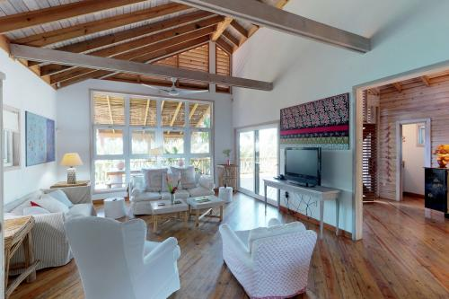 Casa Lenca @Palmetto Bay -  Vacation Rental - Photo 1