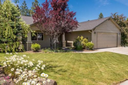 Rock Bluff Retreat - Bend, OR Vacation Rental