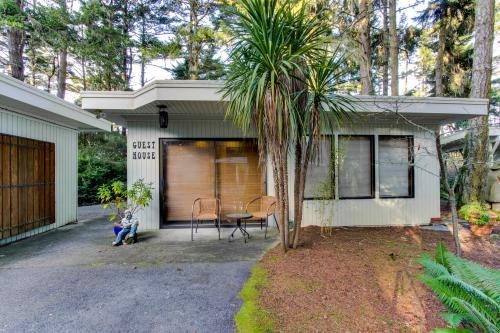Seagate Guest House - Coos Bay Vacation Rental