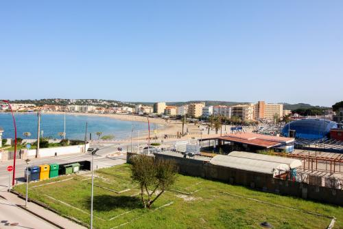 Maia Apartment @Riells Playa - L'Escala, Spain Vacation Rental