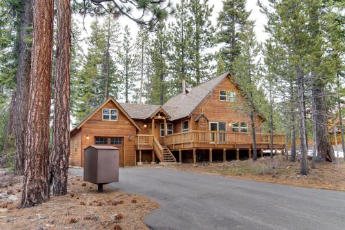 Snowpeak Chalet in Tahoe Donner - Truckee Vacation Rental