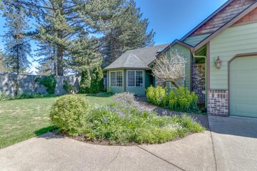 Green Cottage - McMinnville, OR Vacation Rental