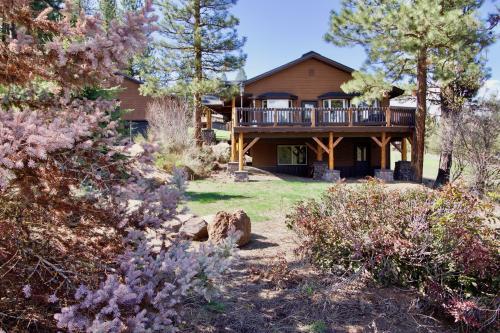 Camas Family Cabin - New Meadows, ID Vacation Rental