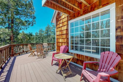 Vintage Lakeside Views  - Fawnskin, CA Vacation Rental