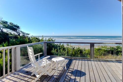Land's End House - Yachats Vacation Rental