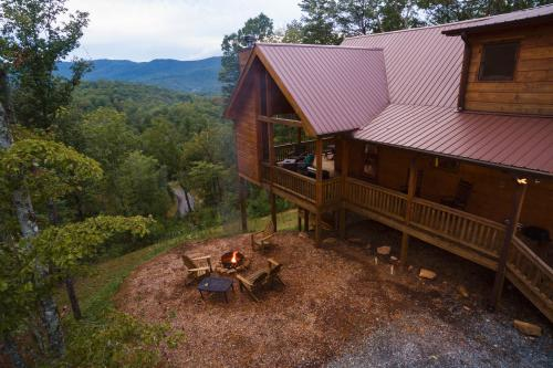 Leatherwood Lodge - Cherry Log, GA Vacation Rental