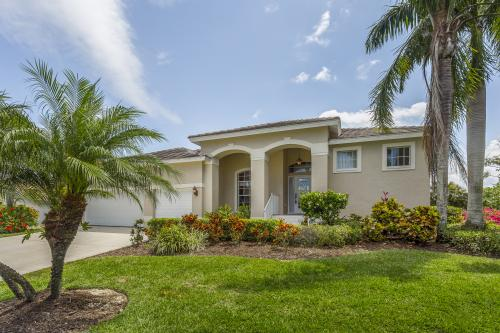 Canalside Comforts - Bonita Springs, FL Vacation Rental