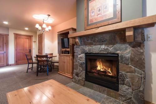 Red Hawk Lodge 2200 -  Vacation Rental - Photo 1