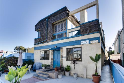 san diego vacation rentals by vacasa. Black Bedroom Furniture Sets. Home Design Ideas