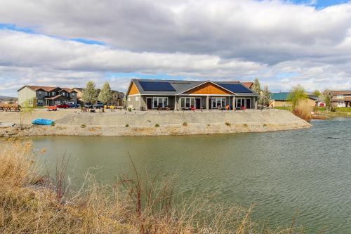 Zillah Lakes Inn -  Vacation Rental - Photo 1