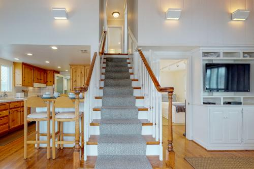Twin Dolphins -  Vacation Rental - Photo 1