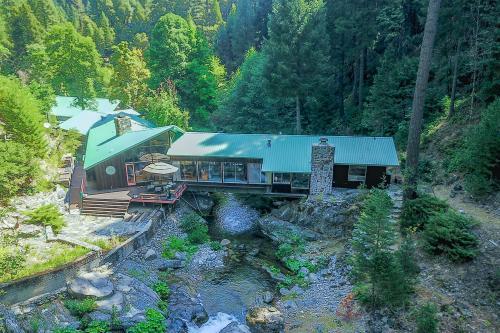Sierra Bridge House -  Vacation Rental - Photo 1