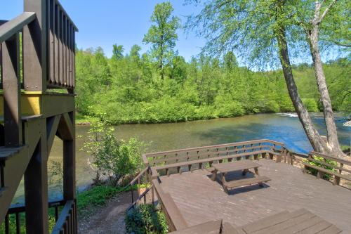 Rivers Edge #702 - Helen, GA Vacation Rental
