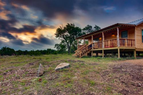 Rocky Ridge Cabin -  Vacation Rental - Photo 1