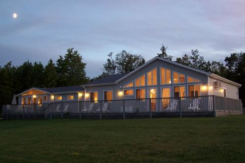 Lighthouse Estates Island Retreat - South Hero, VT Vacation Rental