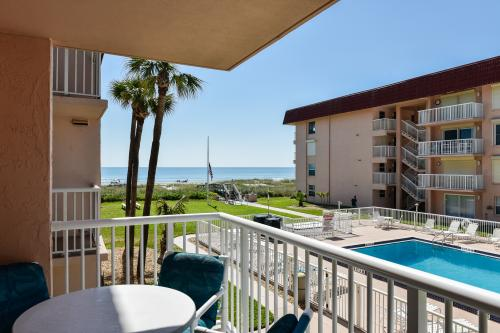 Surf-n-Turf - Cocoa Beach, FL Vacation Rental