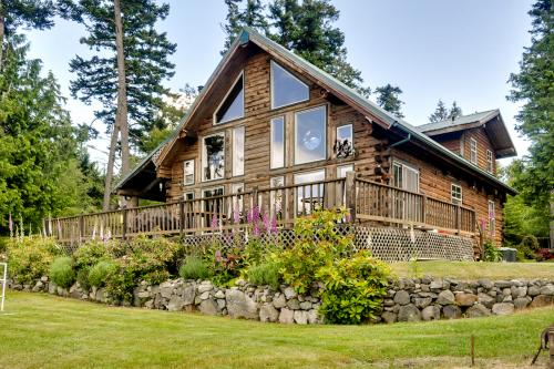 Waterview Log Home on Lopez Adjacent to Spencer Spit - Lopez Island, WA Vacation Rental