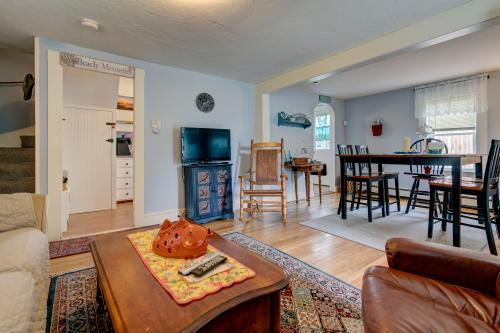 Bayview Cottage - West Yarmouth, MA Vacation Rental