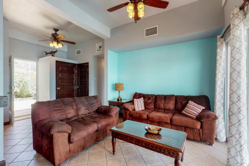 Suite H101 @Mara Laguna -  Vacation Rental - Photo 1