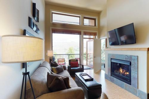 Chelan Resort Suites: Panoramic Lakeview Condo (#409) -  Vacation Rental - Photo 1