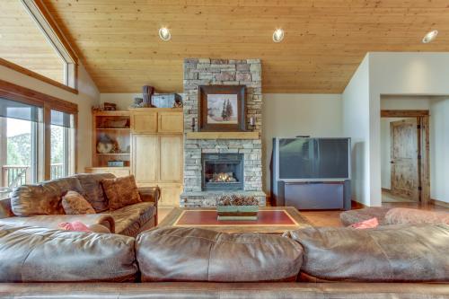 Eagle Crest Vista Rim Luxury -  Vacation Rental - Photo 1