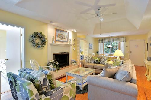 1040 Sparrow Pond Cottage - Kiawah Island, SC Vacation Rental