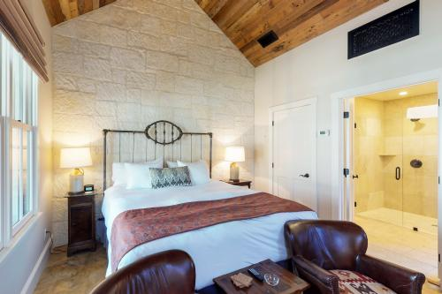 The Blacksmith Quarters on Barons Creek: The Betty - Fredericksburg, TX Vacation Rental