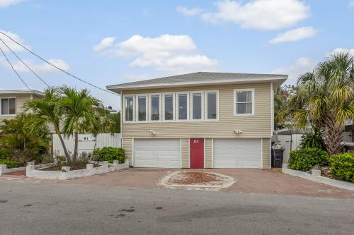 Soft Sugary Sands - Fort Myers, FL Vacation Rental