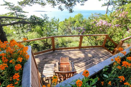 Spotted Deer Hideaway - Olga, WA Vacation Rental