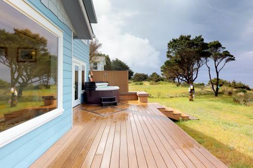 Light House -  Vacation Rental - Photo 1