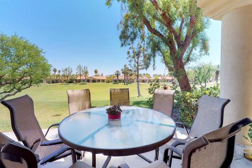 Luxurious 3 Bedroom Condo, 9th Hole Nicklaus Priva - La Quinta, CA Vacation Rental