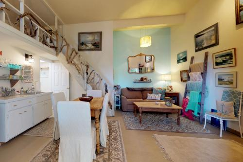 Ridgecrest Cottage -  Vacation Rental - Photo 1