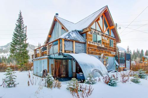 Snow Haven Retreat Ski Cabin A & B - Ground, Main and Loft - Brighton Vacation Rental