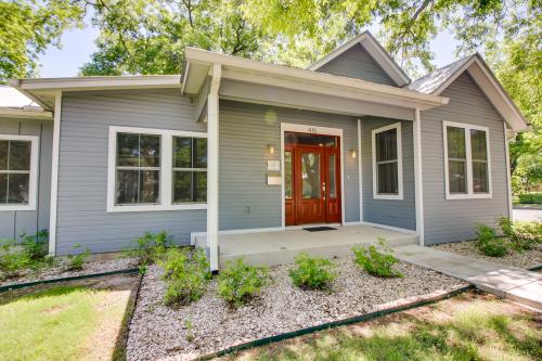 Ford Family Haus - Fredericksburg, TX Vacation Rental