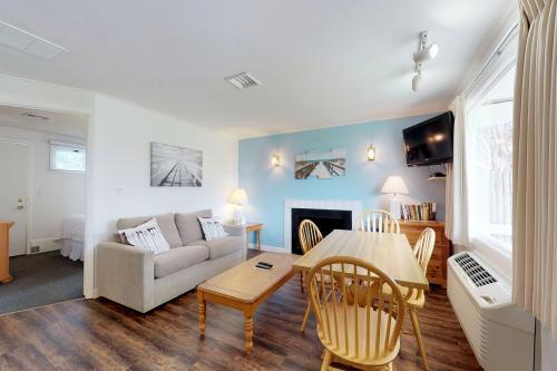 Island Inn - 1A - Oak Bluffs, MA Vacation Rental