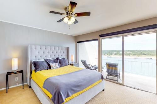 Lake Travis Sunrise - Spicewood, TX Vacation Rental
