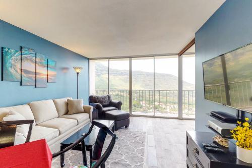 Makaha Valley Towers 1811 - Makaha, HI Vacation Rental