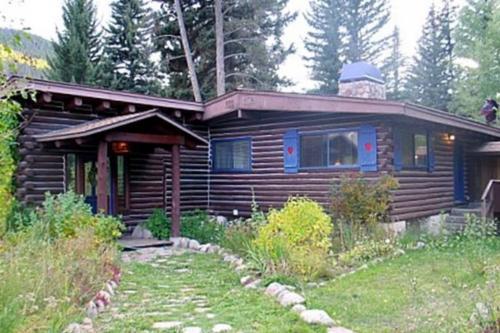 Cozy Creek Cabin -  Vacation Rental - Photo 1