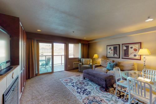 Grandview Getaway -  Vacation Rental - Photo 1